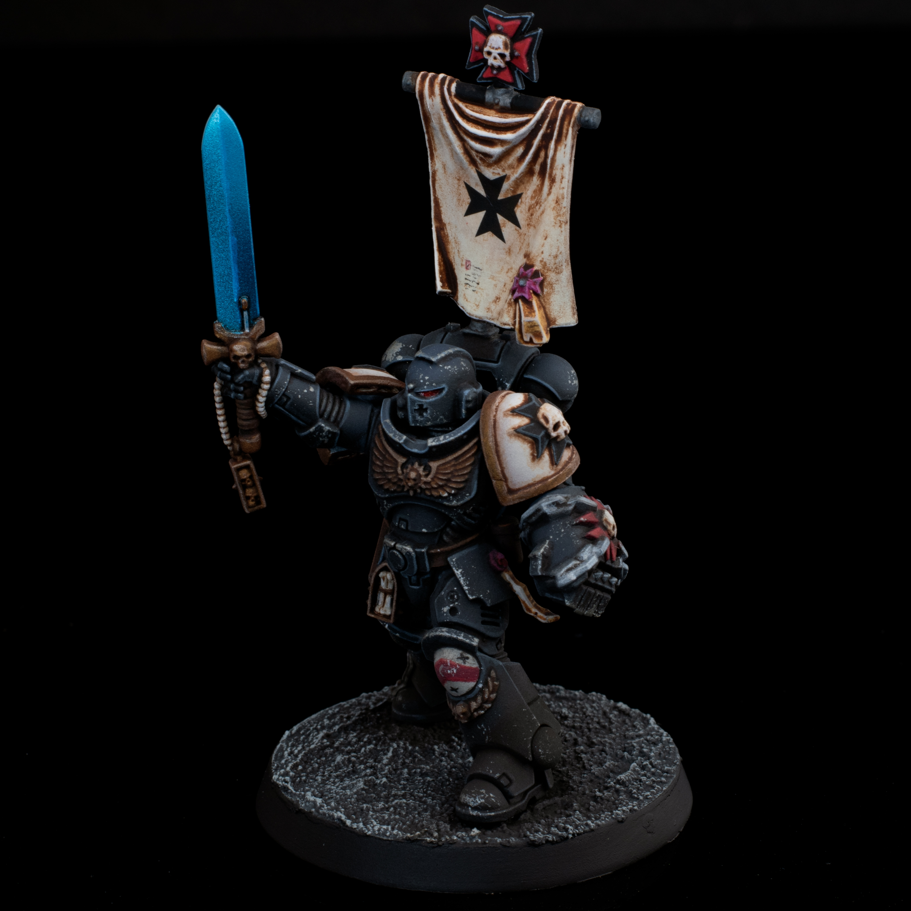 Black Templar Lieutenant with Power Fist and Power Sword