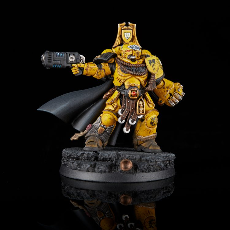 Imperial Fists Primaris Captain with Power Fist