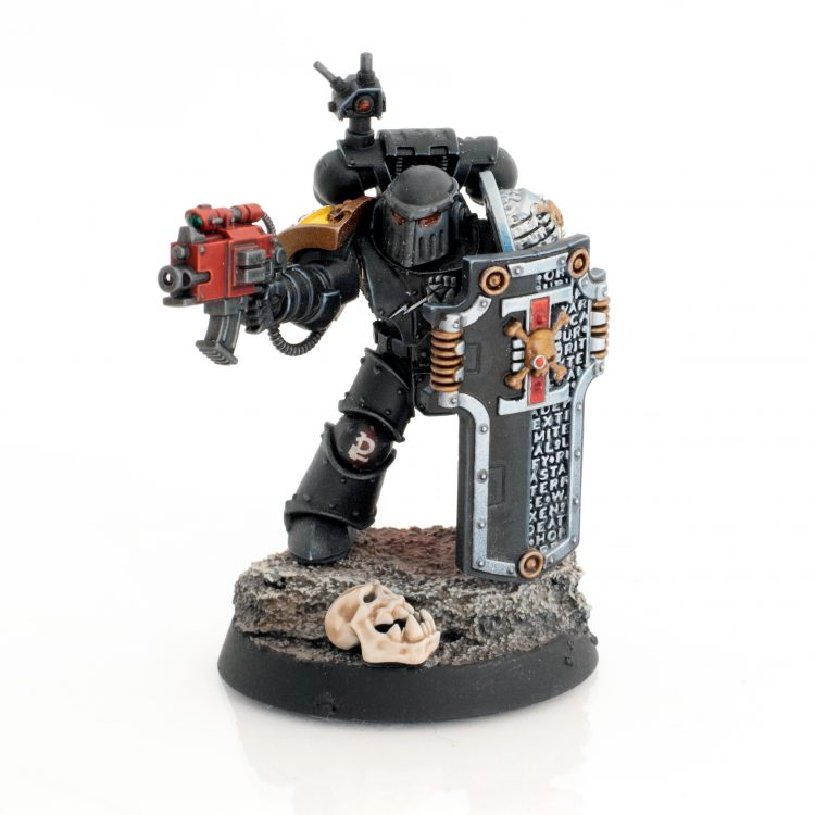 Deathwatch Imperial Fist with Storm Shield