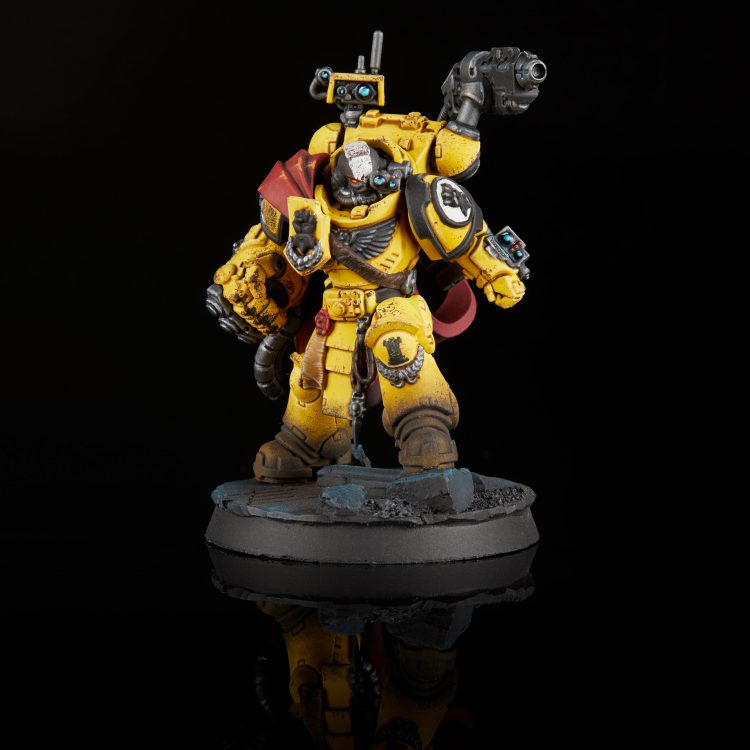 Imperial Fists Captain Tor Garadon