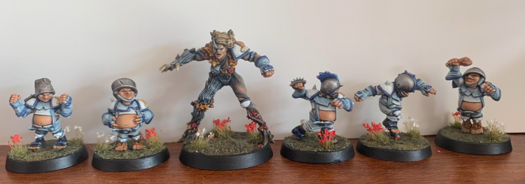 The Half-Assed Calfboys - Halfling Team, with Star Player Willow Rosebark - Painted by AvecMontage